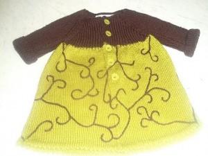 """Robe en laine pour bébé tricotée main """"Fashion Victime"""""""