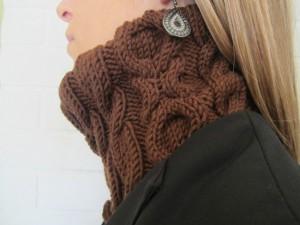 modèle-snood-tricote-main-gazouillis-et-cie-2014-aubusson-fonty-l-aiguille-en-fete-h&h cologne-profil