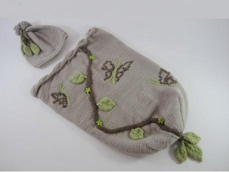 Chaussette emmaillotement-Cocon-Chrysalide et son bonnet pour nourrisson