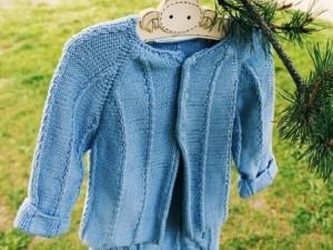 La brassière tricotée main Fin d'Eté