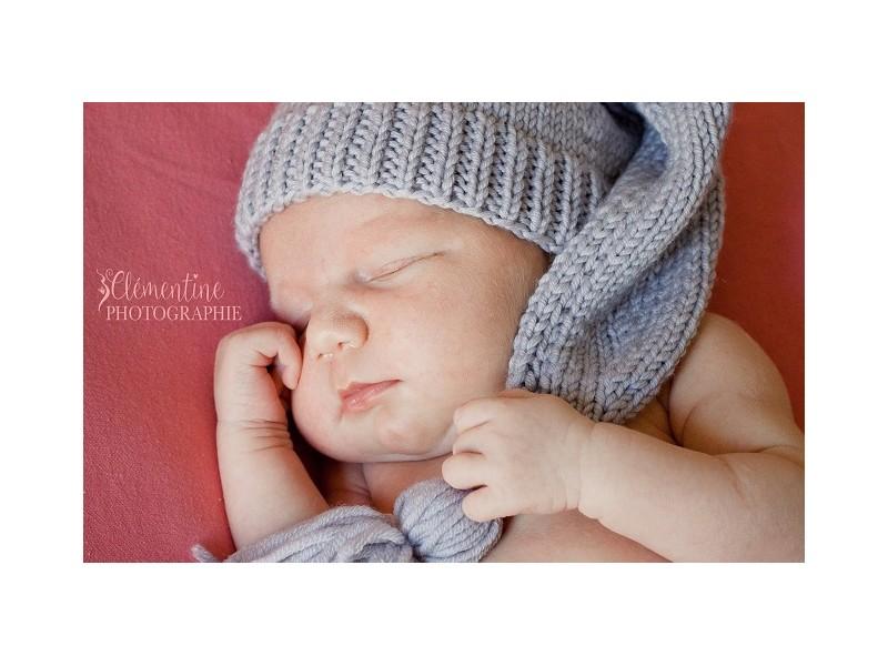 190adcd0e2a0 bonnet de lutin tricote main pour nourrisson   Bonnet de lutin tricoté main pour  bébé  Bonnet de Meunier pour bébé