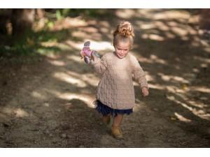 L Effet Papillon robe tunique tricotée mains pour fillette