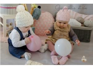 Doux-Doux, bonnet et moufles bébé tricoté en soie et laine Française mérinos.
